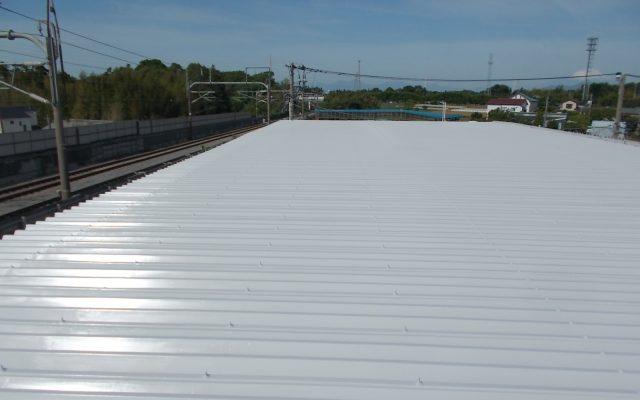 屋根上塗り完成
