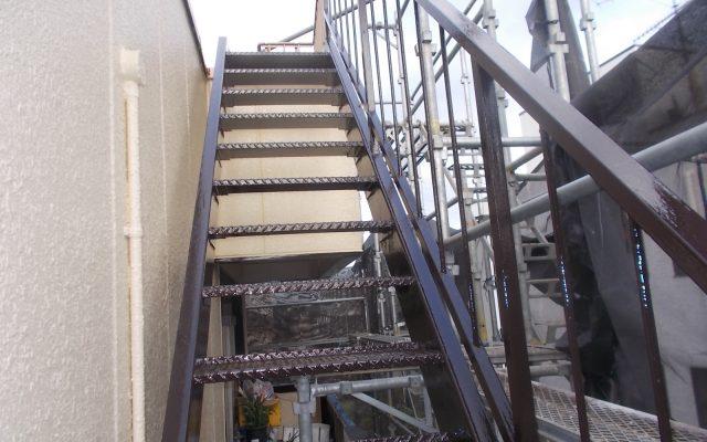 鉄骨階段塗装完成