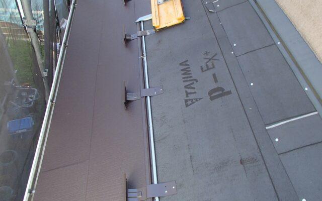 屋根カバー工法施工