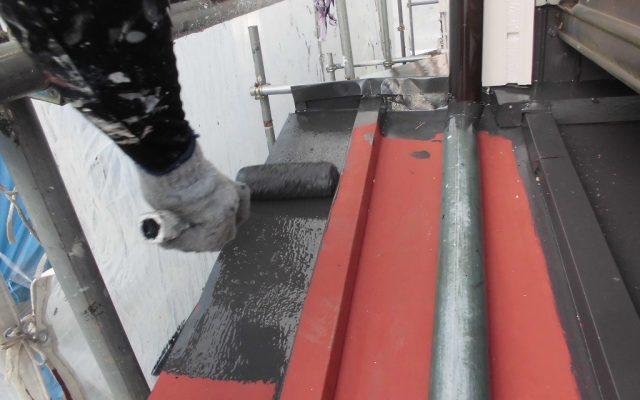 下屋根中塗り