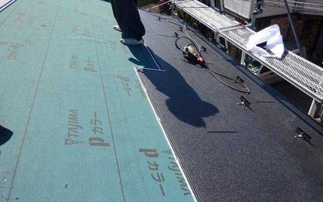 屋根材張り①
