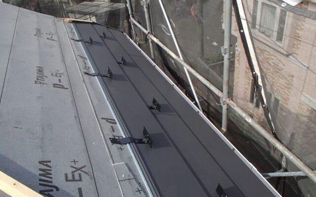 屋根材取付け