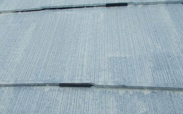屋根下塗り及びタスペーサー施工