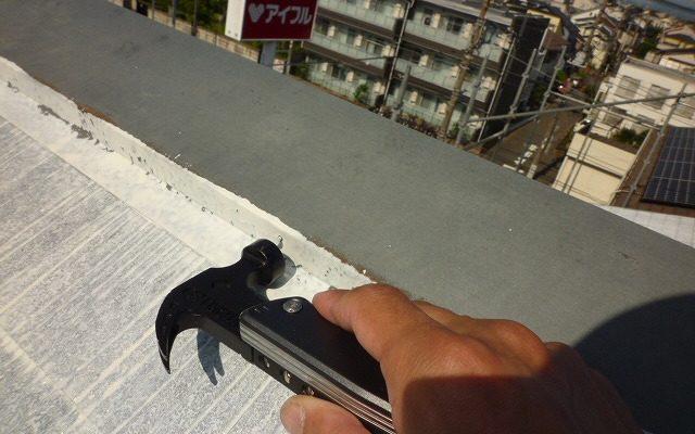 屋根棟クギ打ち