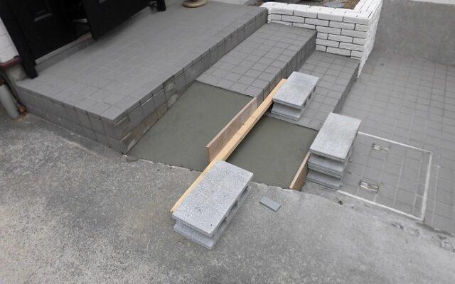 階段下地作り